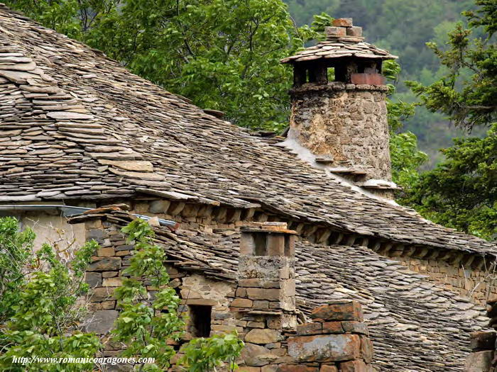 Sus n iglesia de santa eulalia rutas romanicas por el - Chimeneas santaeulalia ...