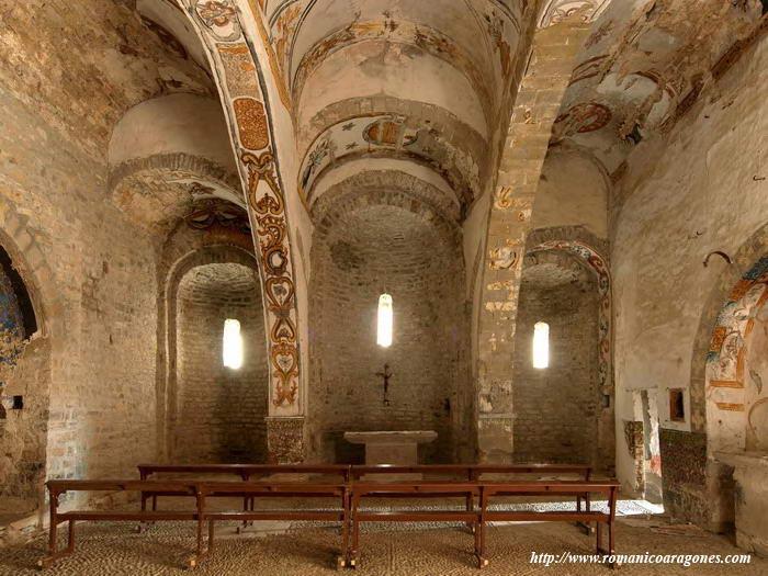 Santa maria de buil iglesia de san martin rutas for Interior iglesia romanica