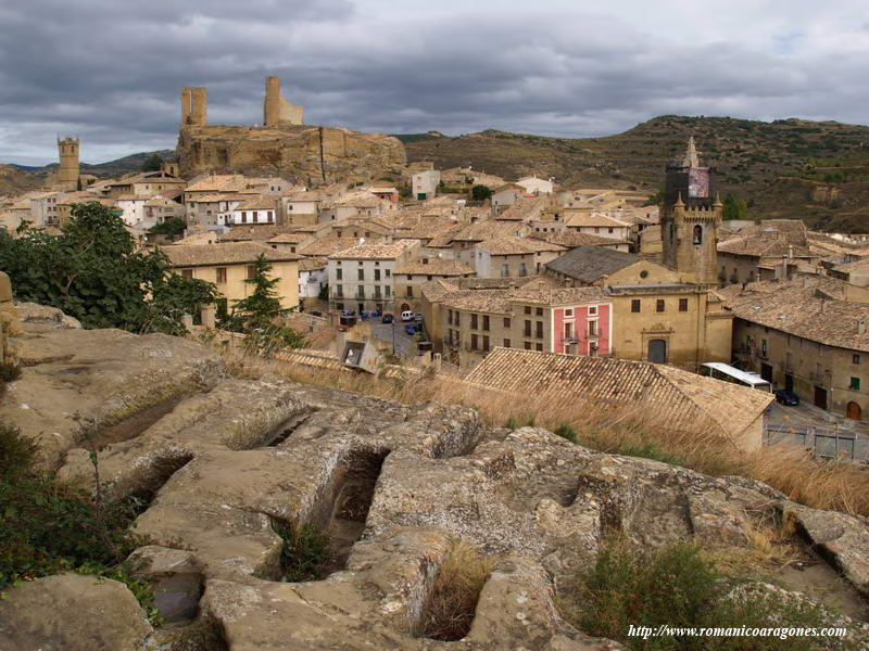 Uncastillo Spain  city photo : VISTA GENERAL DE UNCASTILLO DESDE LA NECRÓPOLIS MEDIEVAL DE SAN JUÁN